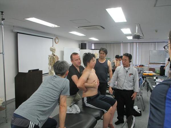 3期生2年3回 上肢 授業 講師 ブルーノ・ゲ DO